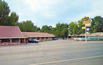motel-el-rancho_04.jpg