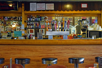 ray's-tavern_03.jpg
