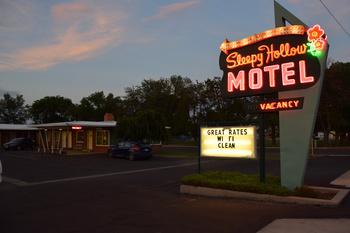 sleepy-hollow-motel_06.jpg