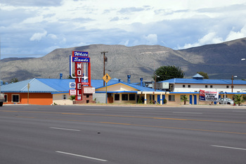 white sands motel_01.jpg